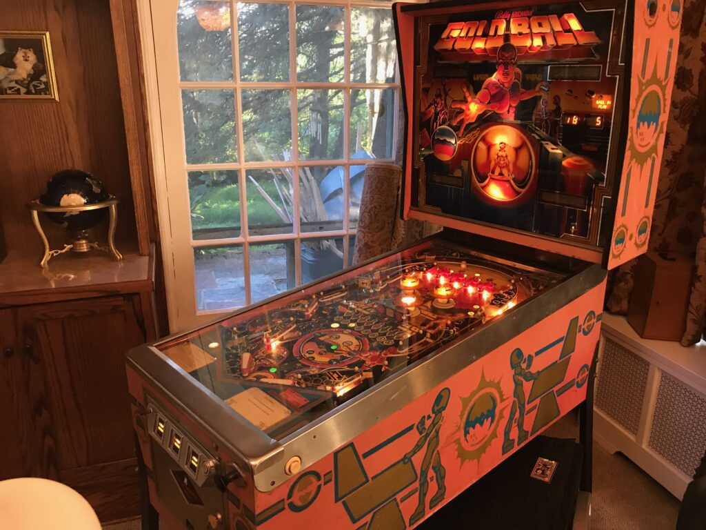 Ball Gold Ball pinball machine side view